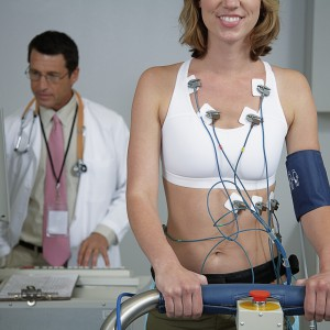 EKG-woman-78617024